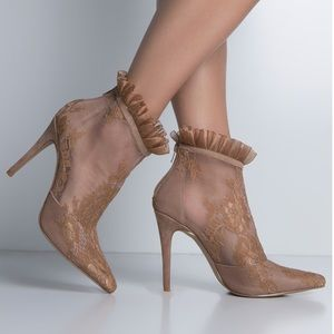 Shoes - Brand new lace boots